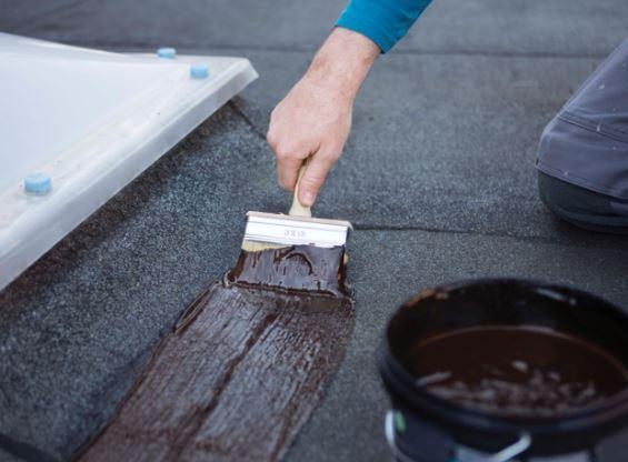 Lichtkoepel waterdicht maken met Bison Rubber Seal